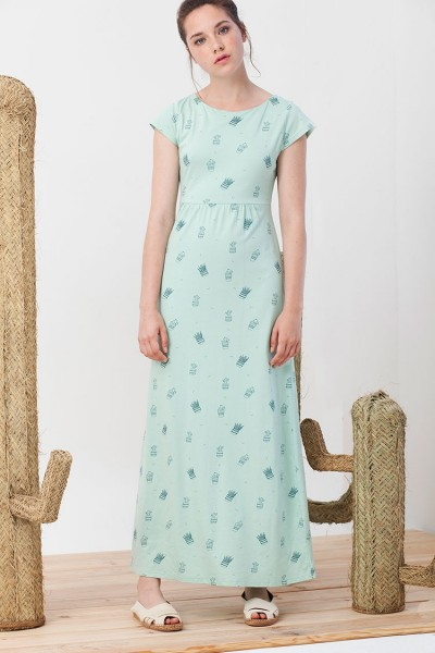 Irene Maxi dress in light green.