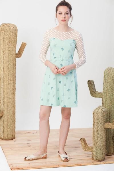 Vestido Irina verde con estampado de cactus.