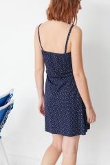 Vestido de tirantes Marisa con estampado caracolas
