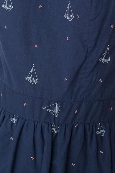 Vestido ecológico Moira de manga corta con botones traseros y estampado barcos