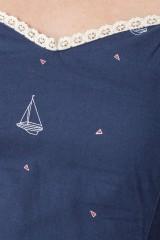 Vestido Micaela con escote corazón y estampado barcos