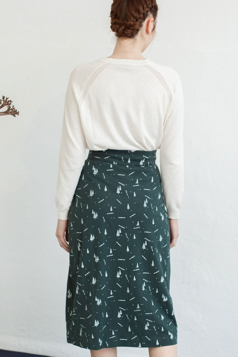 Falda midi Neia estampado pinos.