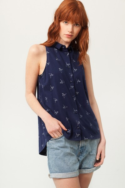 Patty shirt collar blouse in navy blue and origami print