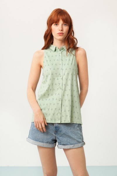 Patty shirt collar blouse in mint green and abstract print