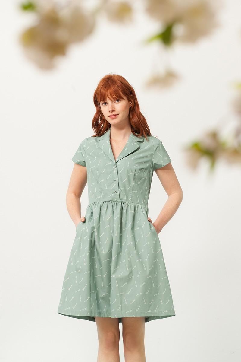 Vestido Pamela cuello camisero verde estampado bambú