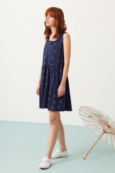 Priscila oversized dress in navy blue and origami print