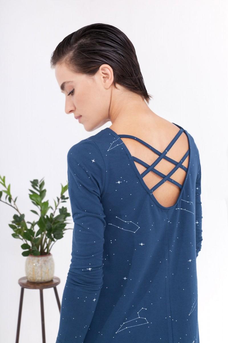 Vestido Carola evasé azul marino estampado constelaciones.