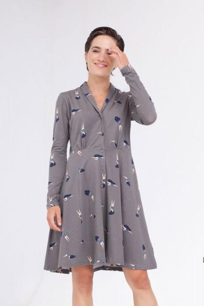Vestido Colette cuello chal estampado fases lunares.