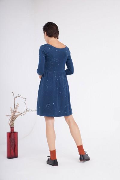Vestido Carlota corte imperio azul marino estampado constelaciones.