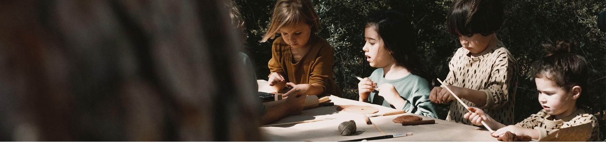 Ropa eco para niños y bebe. Moda sostenible y algodón orgánico de comercio justo certificado para niño/bebe.
